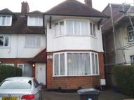 5 bed semi detached house to rent in The Ridgeway...