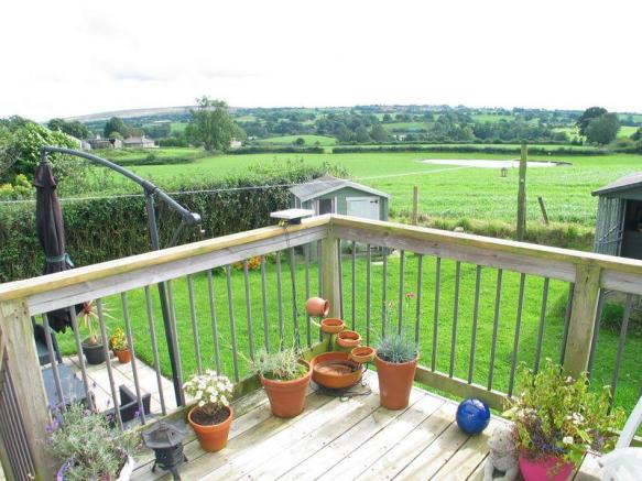 Rear Garden & Views