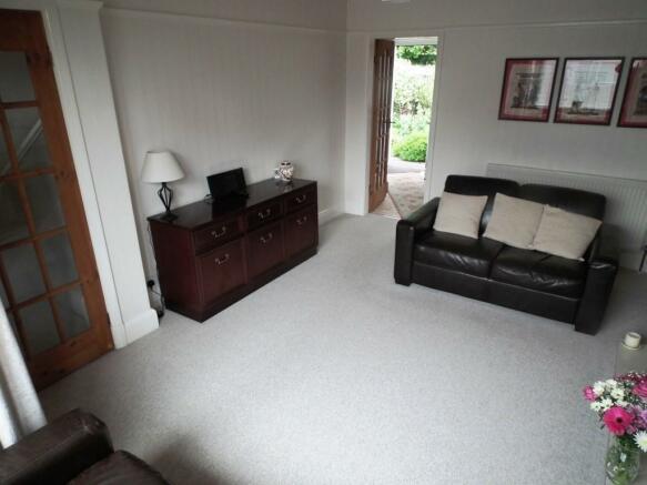Lounge Pic 2