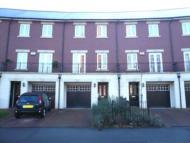 3 bed Town House to rent in Castle Lodge Avenue...