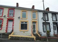3 bedroom Terraced home to rent in Oak Terrace, Ogmore Vale...