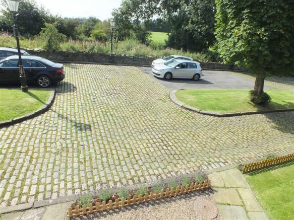 Forecourt Garden and