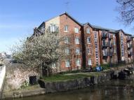 Canalside Walk Flat to rent