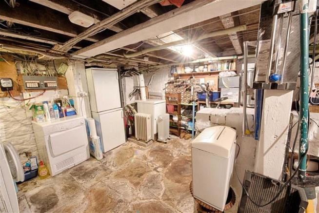 UTILITY ROOM/WORKSHOP