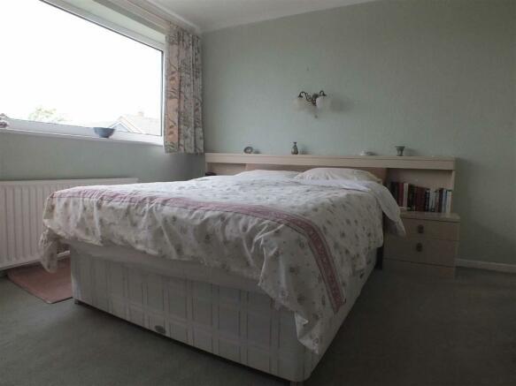 MASTER BEDROOM (1) (