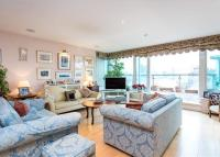 3 bed Flat for sale in Cinnabar Wharf West...