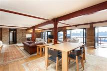 2 bed Flat in St Johns Wharf...