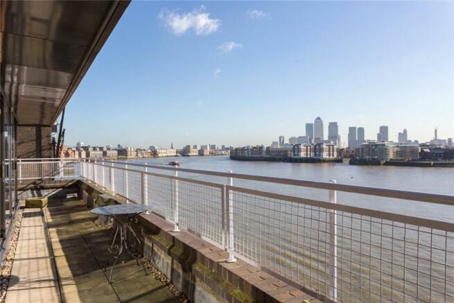 Wapping: Balcony