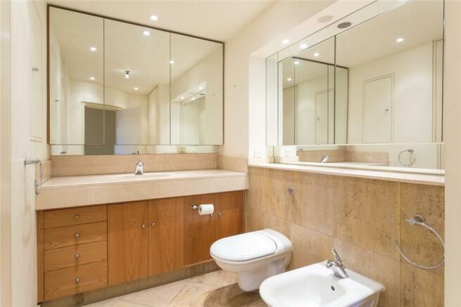 Wapping: Bathroom
