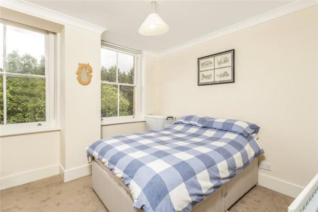 Bedroom For Sale E14
