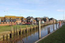 Apartment for sale in Strand Court, Rye...