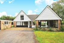 4 bed Detached house in Top Road, Stone...