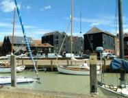 Flat to rent in Strand Quay, Rye...