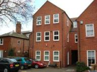 2 bedroom Flat to rent in Town Centre