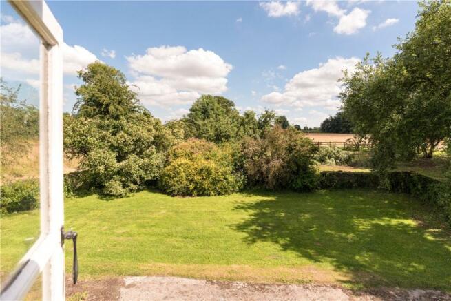 Bath - Garden View