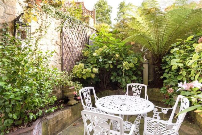 Bath - Courtyard