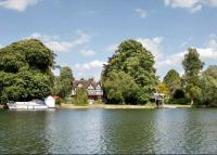 7 bedroom Detached home for sale in Bourne End...