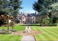 6 bedroom Detached home in Penn Road, Beaconsfield...