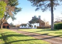 6 bedroom Detached home for sale in Narcot Lane...