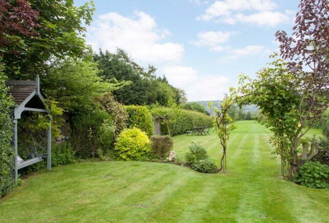 Chinnor: Garden