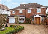 5 bed Detached property in Assheton Road...
