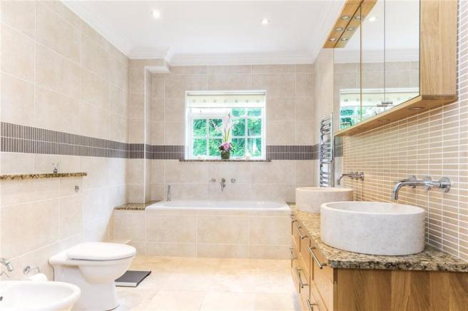 Seer Green: Bathroom