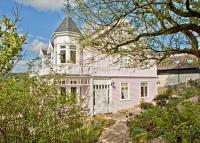 4 bedroom Detached property in Cleeve Hill, Cheltenham...