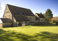5 bedroom Detached home for sale in Cloatley Manor...