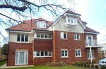 2 bed Flat to rent in Glenferness Avenue...