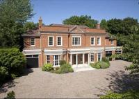 6 bed Detached home in Blackhills, Esher...