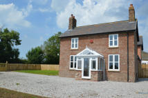 3 bedroom semi detached house to rent in Elmswell, Driffield