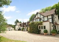 5 bed Detached home in Woodlands Road, Harpsden...