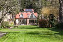 4 bed Detached house for sale in The Warren, Caversham...