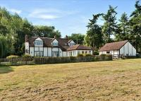 4 bed Detached property for sale in Crocker End, Nettlebed...