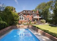 6 bed Detached property in Beechwood Drive, Marlow...