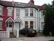 4 bed Terraced property to rent in To Let - Palmers Green...