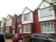 Flat for sale in Palmers Green, N13