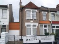 End of Terrace property in To Let - Wood Green, N22