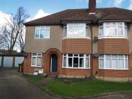 Ground Maisonette in To Let - Bowes Park, N22