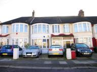 3 bedroom Terraced property for sale in Palmers Green, N13