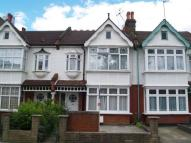 Flat in TO LET - BOWES PARK N22