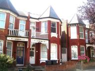 Flat to rent in To Let - Wood Green, N22