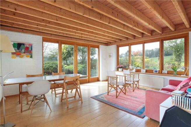 Garden/Dining Room