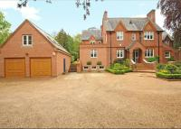 5 bed semi detached property in Burfield Road...