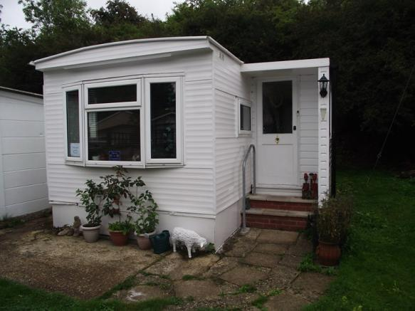 2 Bedroom Mobile Home For Sale In Rayners Avenue Loudwater High Wycombe HP10