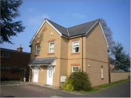 Town House to rent in Ty-Craig