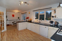 4 bed Detached house in Beauchamps...