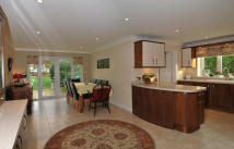 6 bedroom Detached house in Maldon Road...