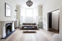 Town House for sale in Campden Hill Road...