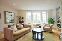 3 bed Flat in Bevington Road, London...